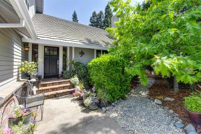 Rancho Murieta Single Family Home For Sale: 14991 Lago Drive