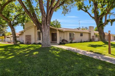 Modesto Single Family Home Contingent: 7030 Walnut Woods Drive