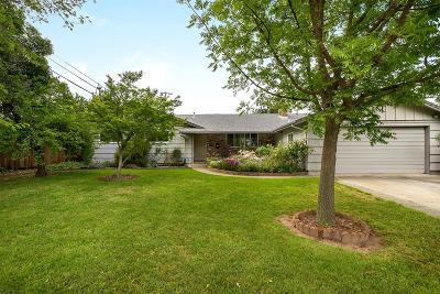 Sacramento CA Single Family Home For Sale: $425,000