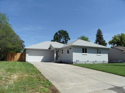 Sacramento Single Family Home For Sale: 1516 Clinton Road