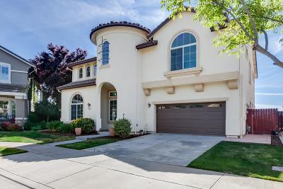 Single Family Home For Sale: 854 Poppy Court