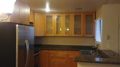 Sacramento Condo For Sale: 3715 Tallyho Drive #65