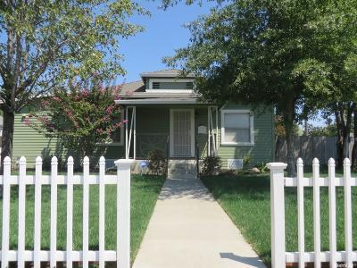 Galt Single Family Home For Sale: 445 6th Street