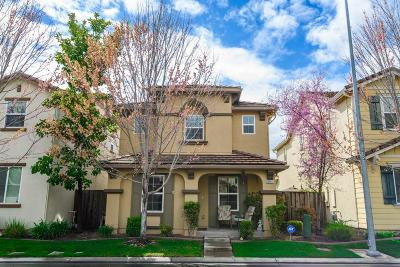 Single Family Home For Sale: 10951 Wildberry Lane