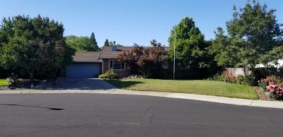 Roseville Single Family Home For Sale: 715 Jana Court
