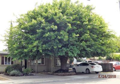 Oakdale Single Family Home For Sale: 447 Church Avenue