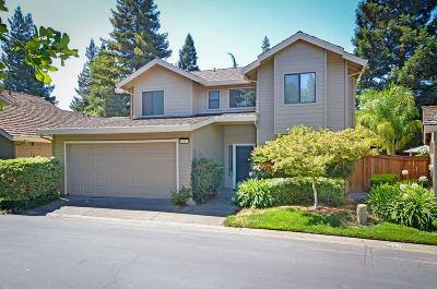 Single Family Home For Sale: 1952 University Park Drive
