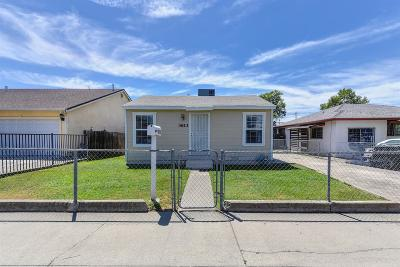 Sacramento Single Family Home For Sale: 3613 Cypress Street