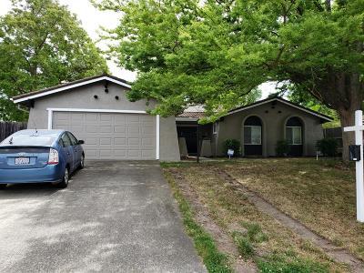 Sacramento Single Family Home For Sale: 5908 Hillsdale Boulevard