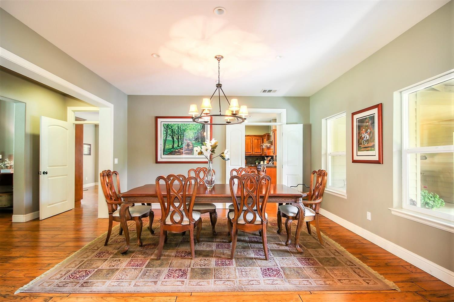 Round Table Loomis.6652 Laird Rd Loomis Ca Mls 19033632 New Vision Realty Group