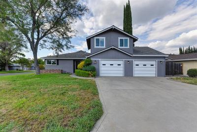 Sacramento Single Family Home For Sale: 4401 Clytie Way