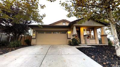 Sacramento Single Family Home For Sale: 6484 Sunnyfield Way