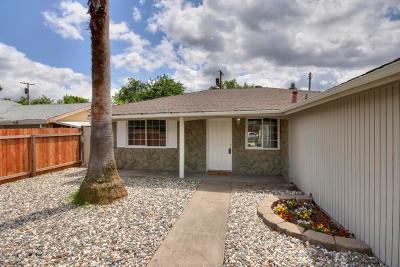 Sacramento Single Family Home For Sale: 4306 Turnsworth Court