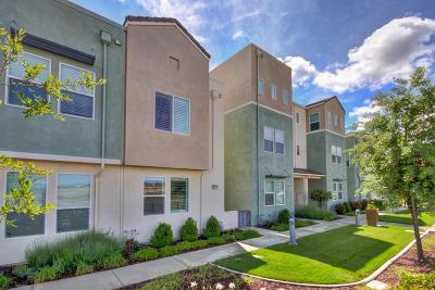 Sacramento Condo For Sale: 3994 East Commerce Way