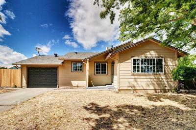 Sacramento Single Family Home For Sale: 2001 Kirk Way