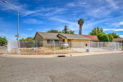 Sacramento Single Family Home For Sale: 7801 Rockhurst Way