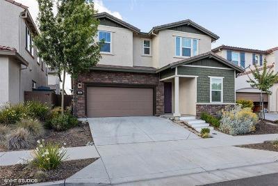 Sacramento Single Family Home For Sale: 3707 Kos Island Avenue