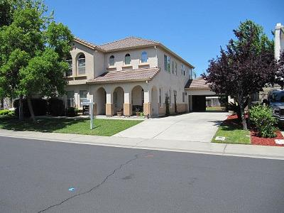 Roseville Single Family Home For Sale: 108 Courante Court