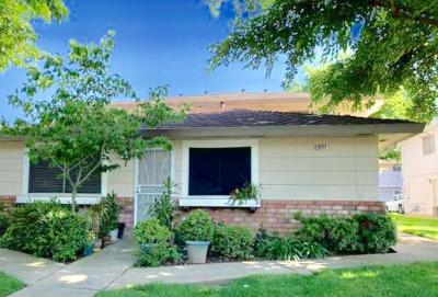 Elk Grove Condo For Sale: 9504 Emerald Park #1