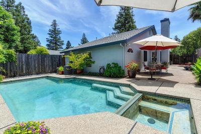 Sacramento Single Family Home For Sale: 8953 Emsdale Way