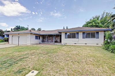 Carmichael Single Family Home For Sale: 4936 Brookglen Way
