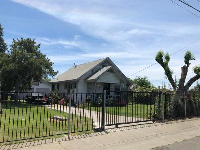 Sacramento Single Family Home For Sale: 2624 57th Avenue