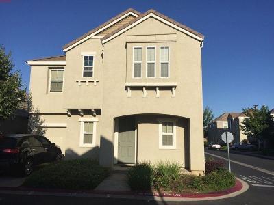 Elk Grove Single Family Home For Sale: 8830 Wheelton Road