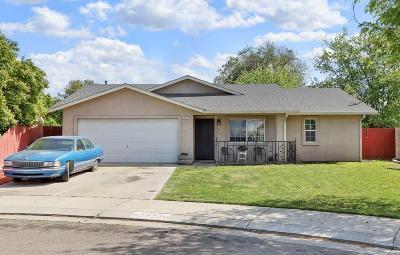 Single Family Home For Sale: 3927 Monique Circle