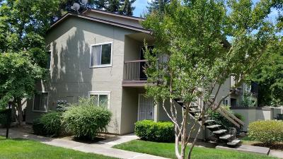 Sacramento Condo For Sale: 100 La Contera Court #149