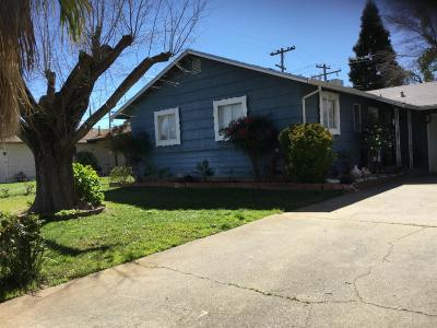 Sacramento County Single Family Home For Sale: 2544 Ribier Way