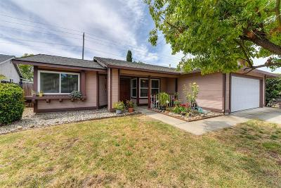 Roseville Single Family Home For Sale: 521 Oakborough Avenue
