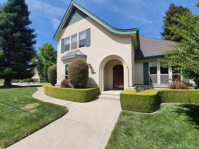 Sacramento Single Family Home For Sale: 7790 River Landing Drive