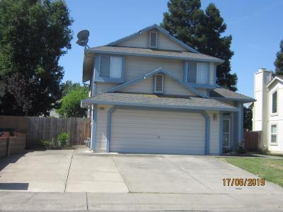 Sacramento Single Family Home For Sale: 8166 La Almendra Way