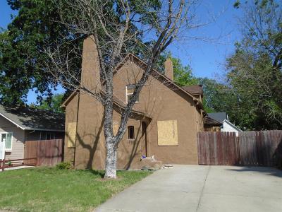 Sacramento Single Family Home For Sale: 1905 El Monte Avenue