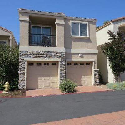 Sacramento Single Family Home For Sale: 2733 Via Villaggio