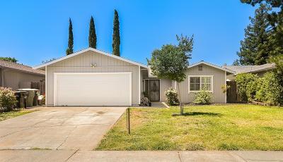 Sacramento Single Family Home For Sale: 4417 Tallyho Drive