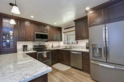 Auburn Single Family Home For Sale: 22716 Sunset Ridge Drive