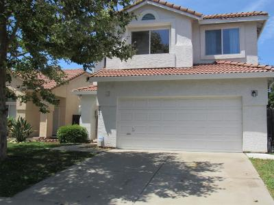 Elk Grove Single Family Home For Sale: 7021 Sandy Souza Way