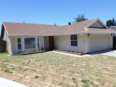 Sacramento Single Family Home For Sale: 7205 Old Nave Court