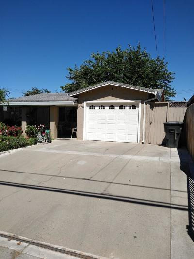 Sacramento Single Family Home For Sale: 2360 American Avenue