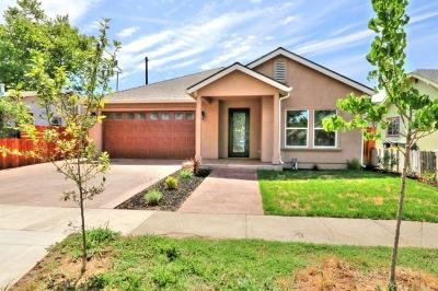 Sacramento Single Family Home For Sale: 4440 52nd Street