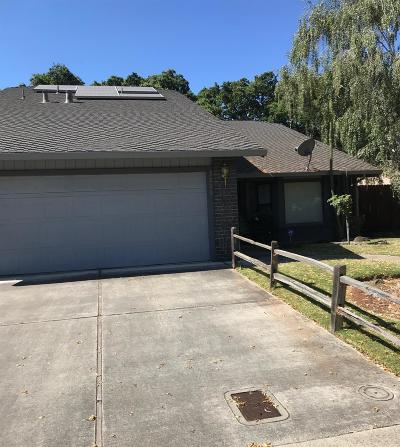 Stockton Single Family Home For Sale: 3006 Burl Hollow Drive