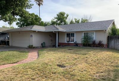 Sacramento Single Family Home For Sale: 4116 Cedargrove Drive