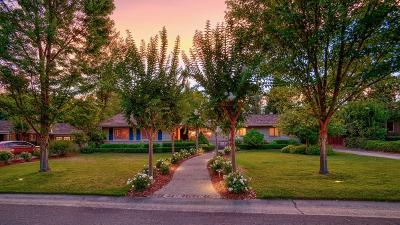 Sacramento Single Family Home For Sale: 3241 Sierra Oaks Drive