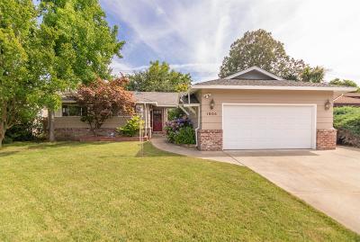 Sacramento Single Family Home For Sale: 1904 Maryal Drive