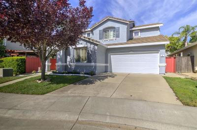 Single Family Home For Sale: 11 Frogs Leap Court