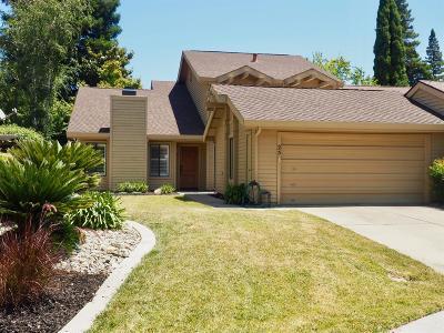 Sacramento Single Family Home For Sale: 25 Marina Grande Court