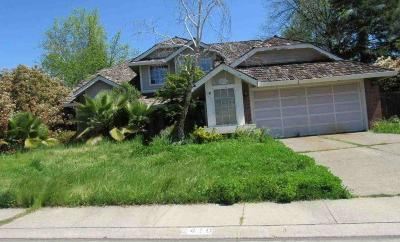 Roseville Single Family Home For Sale: 2410 Valley Forge Way