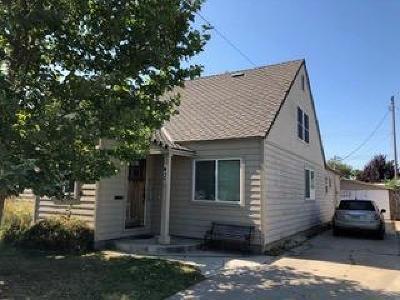 Lodi Single Family Home For Sale: 437 East Vine Street