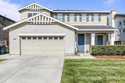 Tracy Single Family Home For Sale: 811 Traditions Court